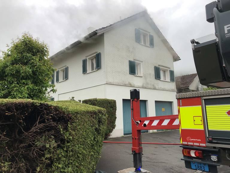 Am Haus entstand Sachschaden von mehreren 100'000 Franken.