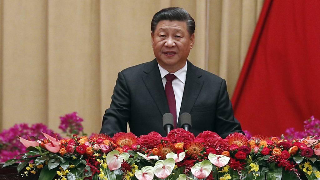 """Chinas Staatspräsident Xi Jinping hat den Protestierenden in Hongkong zugesichert, dass der Sonderverwaltungszone weiterhin ein """"hohes Mass an Autonomie"""" gewährt werde."""