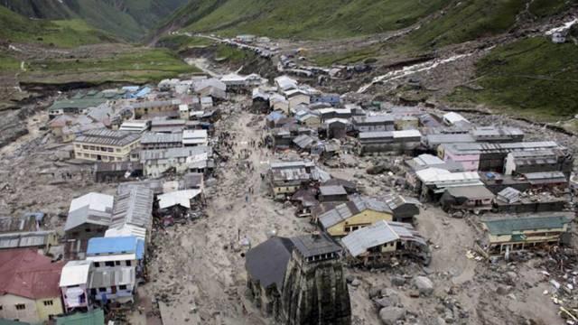 Ein überfluteter Pilgerort im nördlichen Bundesstaat Uttarakhand