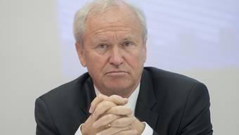 Er staunt über das Urteil des Kantonsgerichts: Der Luzerner Justizdirektor Paul Winiker lässt die beanstandete Rechnungsgebühr von 1.50 Franken zurückzahlen. (Archivbild)