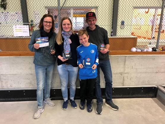 Regina Waldburger (3.Platz) Janine Kym (2.Platz) Lisandro Metzger (1.Platz) Danilo Metzger (4.Platz)