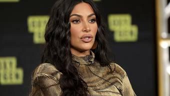 Mit einem eintägigen Boykott von Instagram reagiert die US-Ikone Kim Kardashian auf die zahlreichen Hass-Botschaften im Internet.