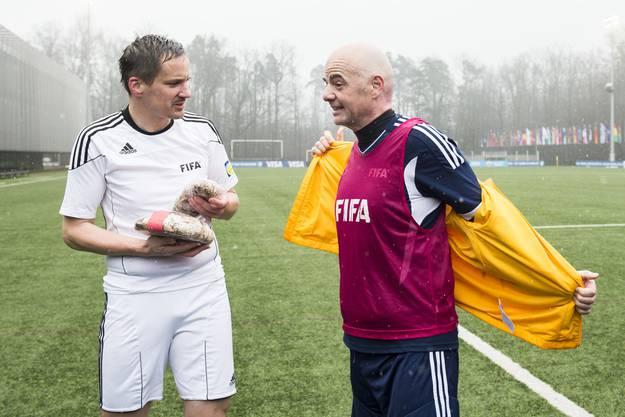 Der Walliser Oberstaatsanwalt Rinaldo Arnold ist in Bedrängnis. Er hat Geschenke von Infantino angenommen. U.a. Tickets zu hochkarätigen Champions-League und WM-Spielen.