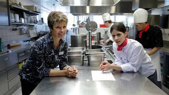 Hauswirtschaftsleiterin Christine Boos und Küchenchefin Ana Garcia arbeiten Hand in Hand.