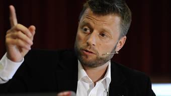 Verwaltungsrat Jan Schibli an der PK in Kloten.