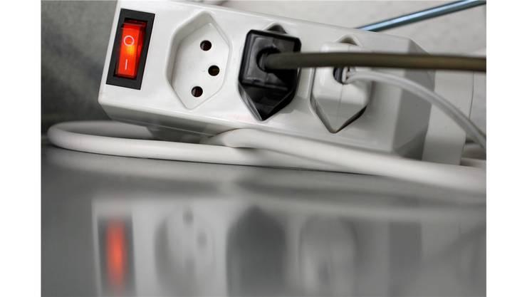 Die EKZ müsste die Strompreise erhöhen, um dem Kanton jährlich eine Dividende bezahlen zu können. (Symbolbild)
