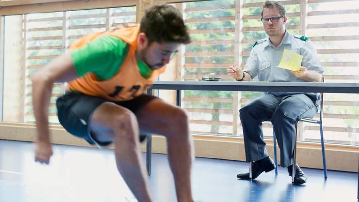 Bei Sporttest schneiden mehr junge Männer mit guten Resultaten ab (Symbolbild).