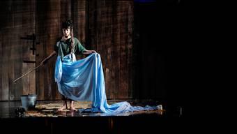 Silvia Tschuis Romansprache entführt auch im Theater in eine geheimnisvolle Zeit.