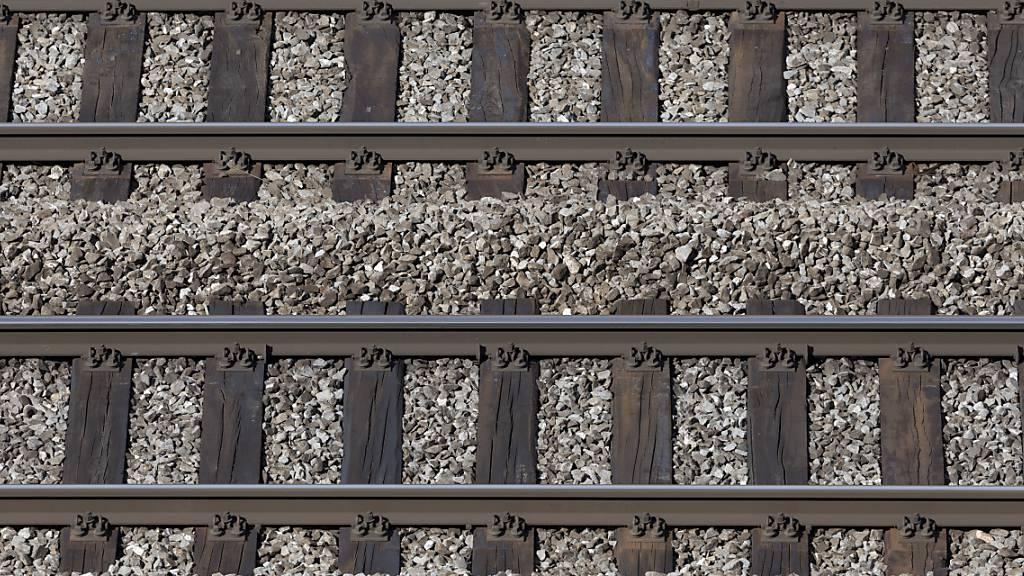 Wegen Gleisschaden erneut Störungen auf Bahn-2000-Strecke