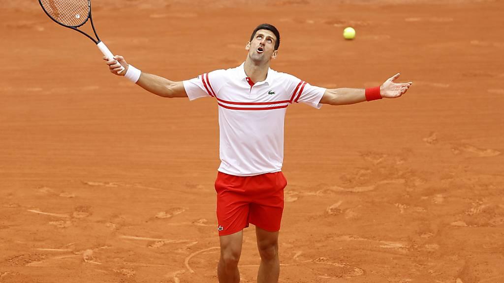 Djokovic gefordert, Nadal ohne Satzverlust