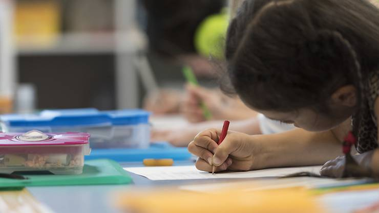 Ab dem 8. Juni nehmen die Zürcher Schulen wieder ihren Regelunterricht auf. (Archivbild)
