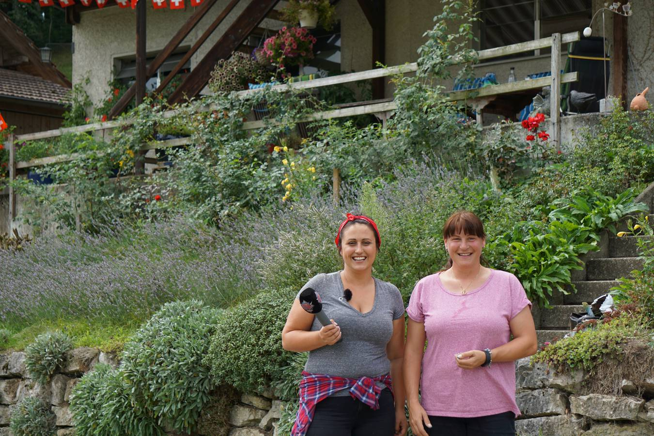 Nina Roost besucht Karin auf dem Läubberg. (© Radio 24)