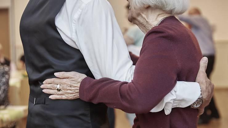 Der 5. Aargauer Alterskongress kam zu schluss, dass betagte Menschen sich von der Gesellschaft vernachlässigt fühlen. (Symbolbild)