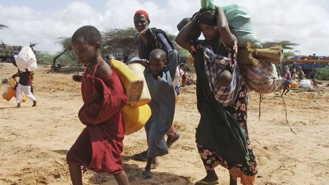 Eine Familie in Somalia auf der Flucht vor der Dürre