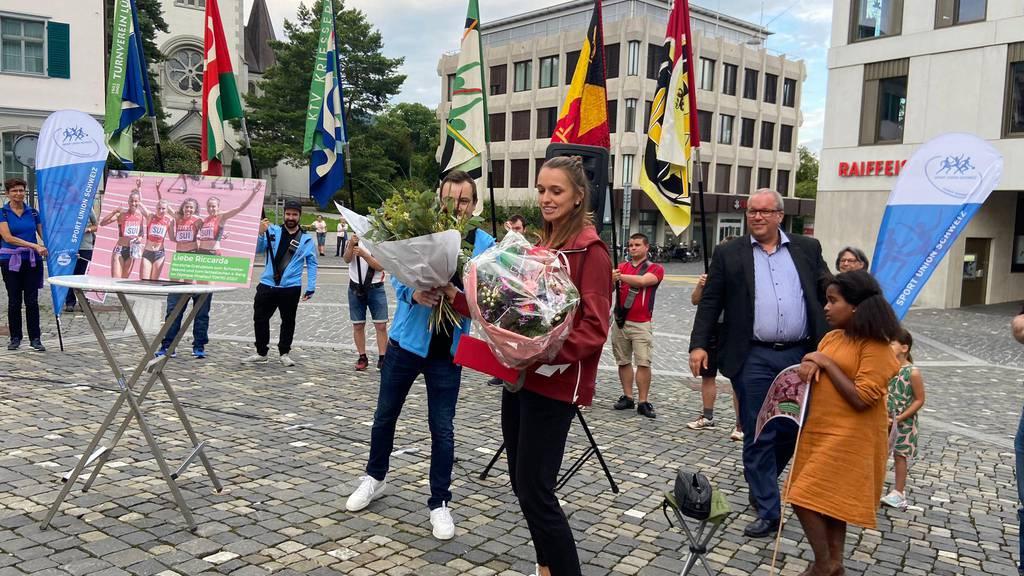 Hunderte Fans empfangen Riccarda Dietsche nach Olympia-Teilnahme