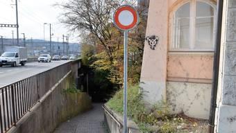 Die Nordrampe bei der Süssbachunterführung ist zum Teil nur einen Meter breit und bis zu 17% steil.