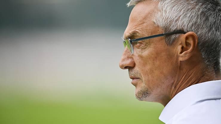 Sieht einer ungewissen Zukunft entgegen: GC-Trainer Zoltan Kadar.