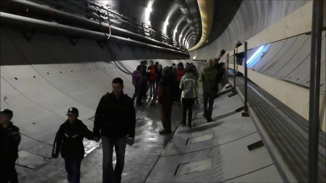 Augenschein beim Tag des offenen Tunnels am Eppenberg
