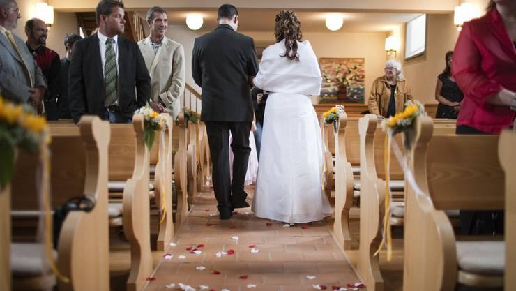 Eheleute werden weiterhin steuerlich benachteiligt (Symbol).