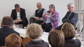 Moderator Urs Knapp, Markus Landert, Ursula Ulrich und Hansueli Egli an der Podiumsdiskussion