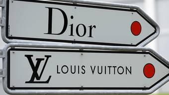 Der Luxusgüterkonzern LVMH mit Marken wie Dior und Louis Vuitton will auf dem US-Markt mit der Übernahme von Tiffany seine Position stärken. (Symbolbild)