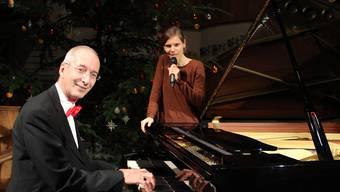 Texte und Musik gekonnt kombiniert: Organist Eric Nünlist und Slammerin Daniela Dill.