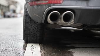 Wegen der steigenden Anzahl Allradfahrzeuge steigen in der Schweiz die CO2-Emissionen der Neuwagen. (Symbolbild)