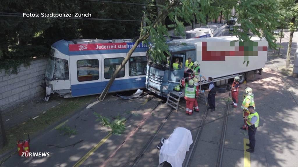 7 Verletzte nach LKW-Kollision mit Tram in Albisrieden