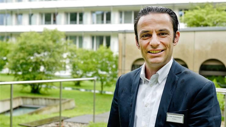 «Wir hätten bei Ausarbeitung einer regionalen Spitalstrategie sehr wohl etwas zu bieten», sagt Peter Eichenberger (49), seit 10 Jahren Direktor des Privatspitals.