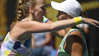 Ashleigh Barty (rechts) steht erstmals in ihrer Karriere in den Halbfinals von Melbourne