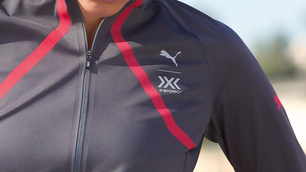 Puma muss  wegen Corona im zweiten Quartal einen Verlust ausweisen. Im Bild: Kleidungsstück aus einer gemeinsamen Kollektion von Puma mit dem Schweizer Bekleidungstechnologiekonzern X-BIONIC. (Archivbild)