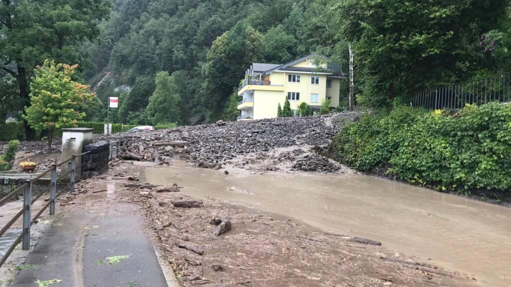 Brunnen - Gersau: Strasse nach Erdrutsch wieder offen