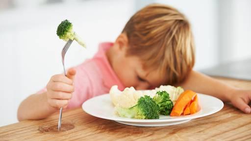 Pingeliges Essen bei Kindern wächst sich nicht immer raus