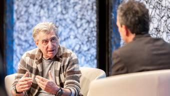 Nick Hayek, CEO Swatch Group (links) im Gespräch mit Patrik Müller, Chefredaktor der Zentralredaktion von CH Media, am SwissMediaForum.