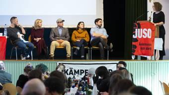 Buhlen um die Gunst der Jungen: Mathias Reynard, Priska Seiler Graf, Martin Schwab, Mattea Meyer und Cedric Wermuth (v.l.) beim Juso-Hearing.