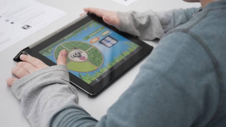 Die Kinder des Zahnarztes sahen auf seinem iPad nicht nur altersgerechte Darstellungen. Jetzt läuft deshalb ein Verfahren. (Symbolbild)