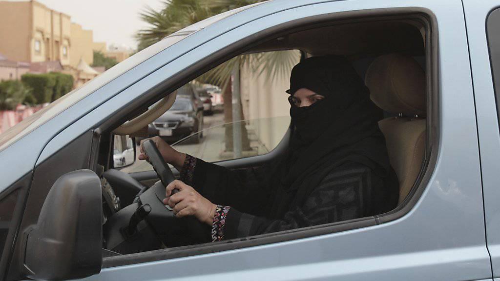 Jetzt dürfen Saudi-Arabiens Frauen offiziell Autofahren. (Archiv)