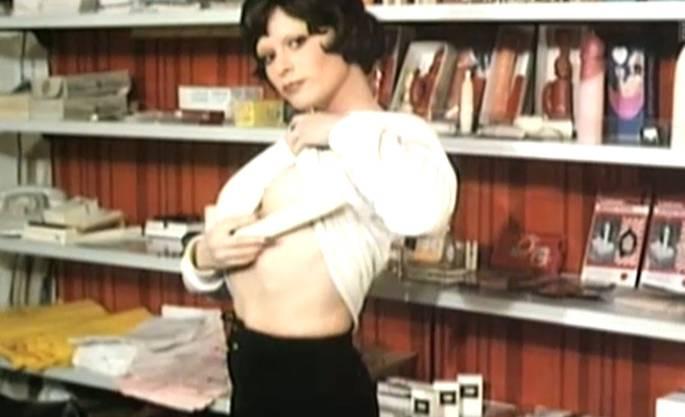 Gezeigt wurden Szenen aus Pornofilmen der 1970er-Jahre.