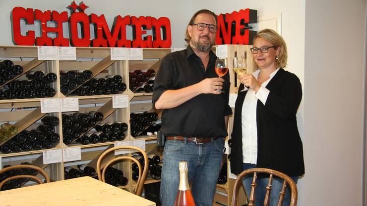 Sascha Haenschke Monique Meister haben das Weingeschäft Wysion eröffnet.