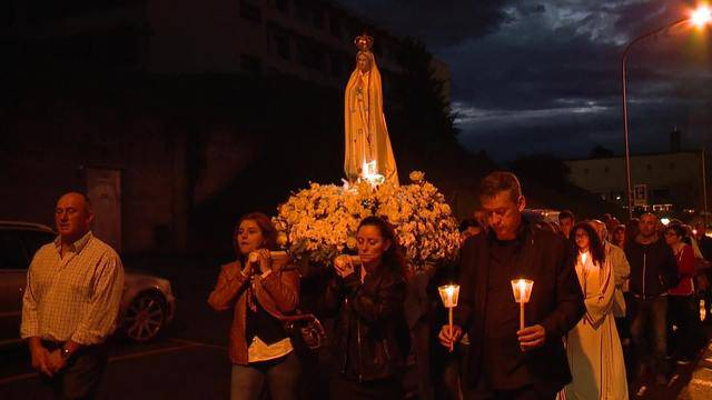 Hunderte Lichter für die «Liebe Frau von Fatima»