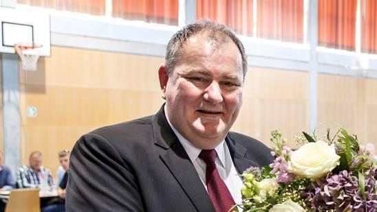 Gemeindepräsident Roger Siegenthaler kann den Steuersatz für juristische Personen nicht auf 55 Prozent senken.
