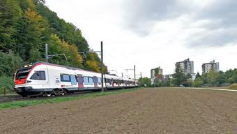 Vor den Quartieren im Osten Prattelns hält die S-Bahn nicht so bald.