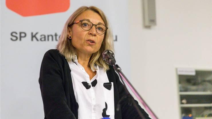 Alter: 53, Wohnort: Baden, Beruf: Kauffrau, wichtigstes politisches Amt: Nationalrätin