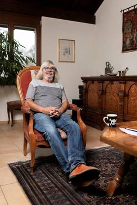 """Hansueli Gürber war als Jugendanwalt verantwortlich für den Fall """"Carlos""""/Brian, fotografiert am 20. November 2019 zu Hause in Adliswil."""