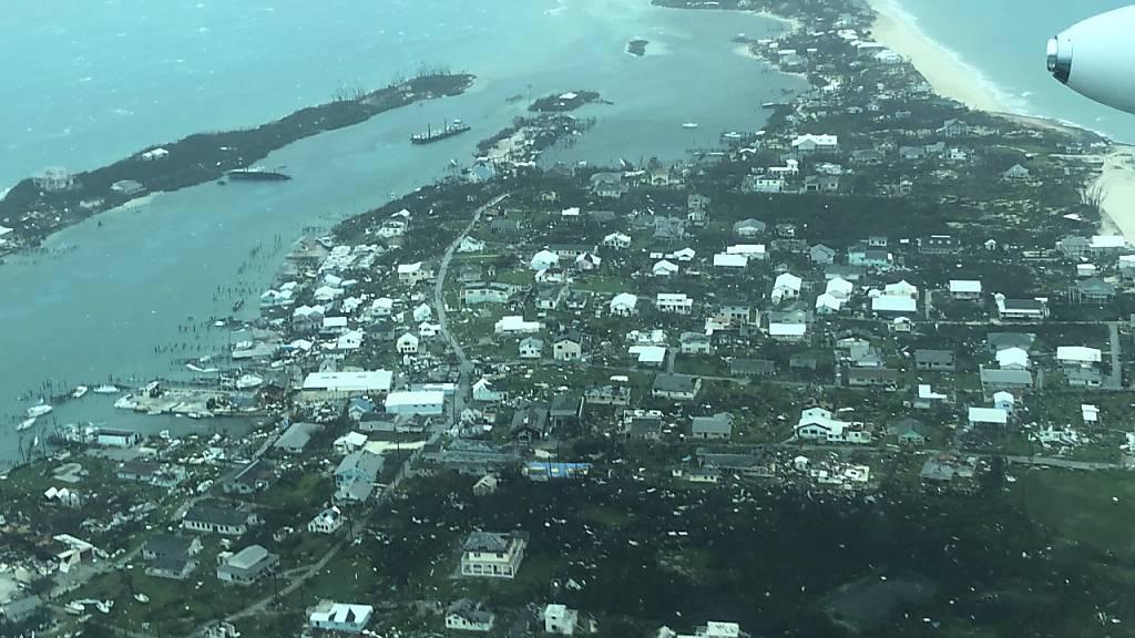 """Luftaufnahmen zeigen das Ausmass der Zerstörungen durch Hurrikan """"Dorian"""" auf den Bahamas. (Foto: Medic Corps via AP)"""