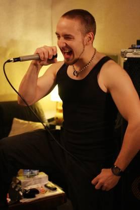 Jonas Ambühl, 23, Sänger