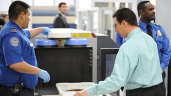 Sicherheits-Check an einem US-Flughafen (Symbolbild)