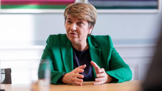 «Die Lage ist sehr ernst», sagt Bundesrätin Viola Amherd - gerade mit Blick auf die mutierte Virusvariante.