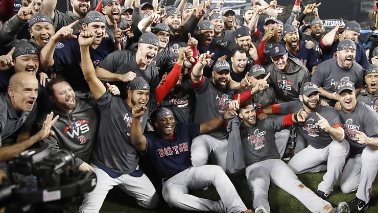 Die Boston Red Sox entschieden die World Series gegen die Los Angeles Dodgers mit 4:1 Siegen für sich und holten den vierten Titel innerhalb von 15 Jahren