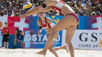 Tanja Hüberli (vorne) und Nina Betschart spielen in Gstaad um Platz 3